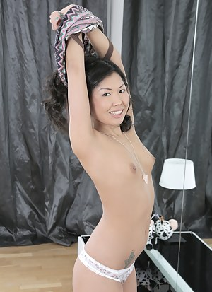 Free Small Tits Porn Pictures