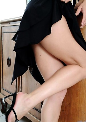 Free Skirt Porn Pictures
